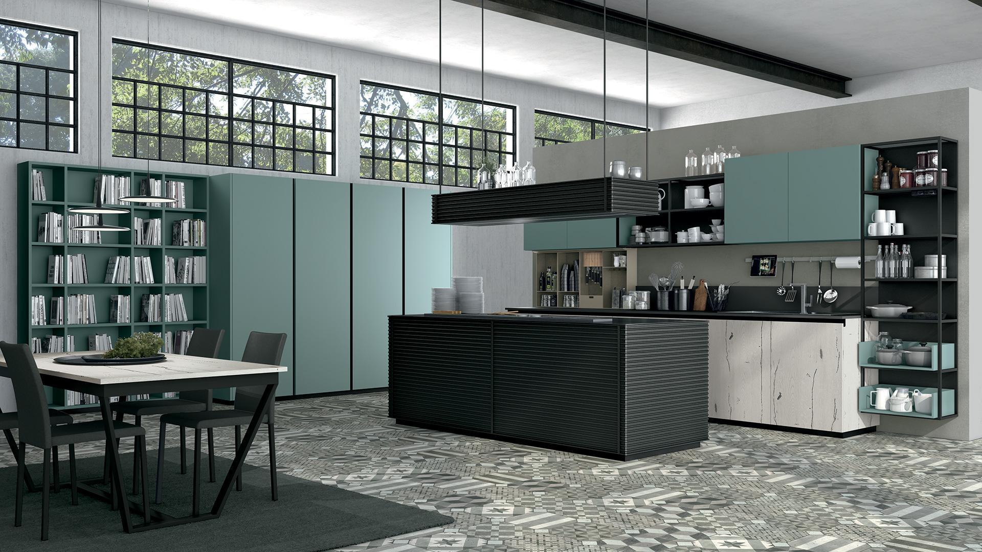 Cucine Lube Modell Oltre. Küche mit Insel aus Aluminiumfronten.