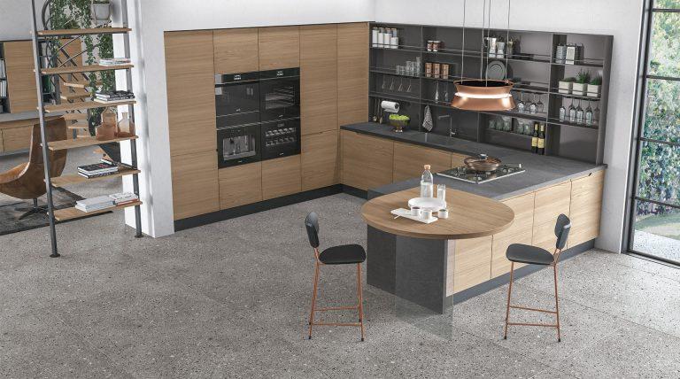 italienische Designerküche Cucine Lube Modell Luna. Fronten in Holzoptik und matte graue Arbeitsplatte